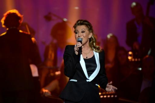 Malgré la mort de son fils, Sheila maintient ses deux concerts à Paris