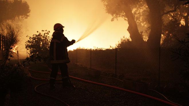 Des incendies ravagent plus de 2000 hectares de végétation en Corse: un homme soupçonné d'avoir provoqué 5 départs de feu