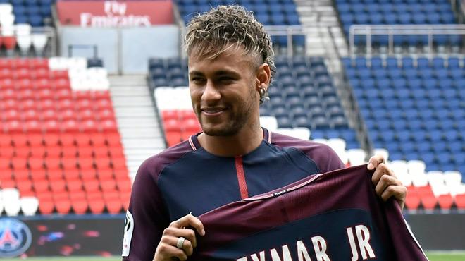 Grande première pour Neymar avec le PSG