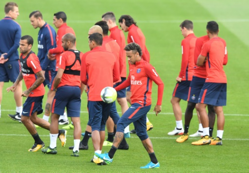 Ligue 1: la fièvre Neymar monte à Guingamp
