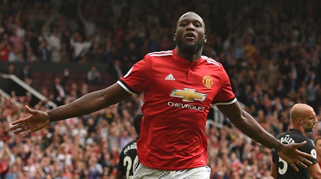 Manchester United écrase West Ham grâce à un doublé de Lukaku (vidéo)