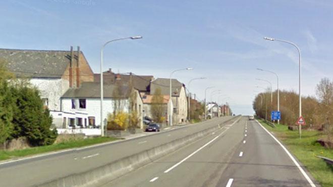Une dame percutée mortellement sur la N5, elle essayait probablement de dégager un obstacle de la route