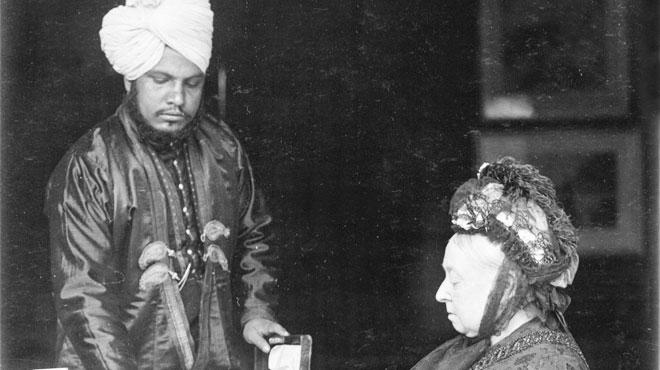 L'étrange histoire d'amitié entre la reine Victoria et son jeune serviteur indien Abdul