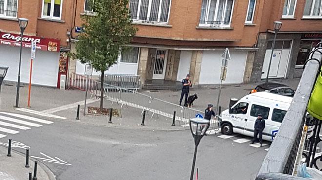 Important déploiement de policiers et rue fermée à Koekelberg: que se passe-t-il?