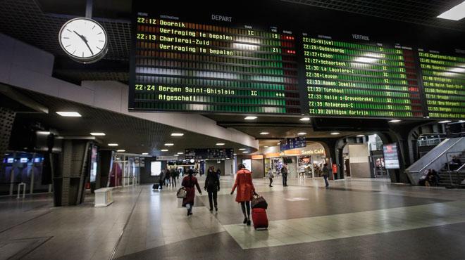 Périmètre de sécurité à Bruxelles-Midi: un colis suspect a été découvert