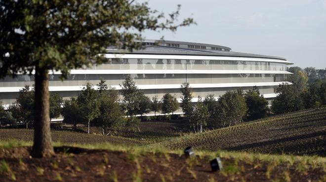 Voulu par Steve Jobs, le nouveau siège futuriste d'Apple est le symbole de sa puissance