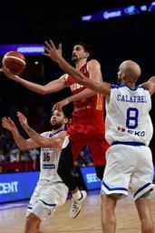 Euro de basket: la Russie se joue de la Grèce dans le dernier quart