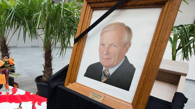 Les funérailles du bourgmestre de Mouscron auront lieu samedi: des mesures encadrent la cérémonie