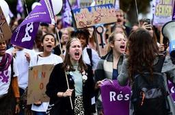 Un millier de personnes ont manifesté à Bruxelles pour le droit à l'avortement