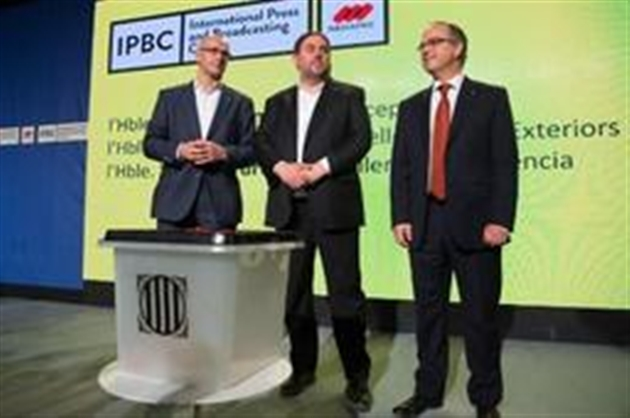 Le président catalan vote malgré les mesures policières (présidence) — Référendum en Catalogne