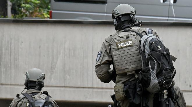Arrestation d'un homme soupçonné d'avoir empoisonné des petits pots pour bébé — Allemagne