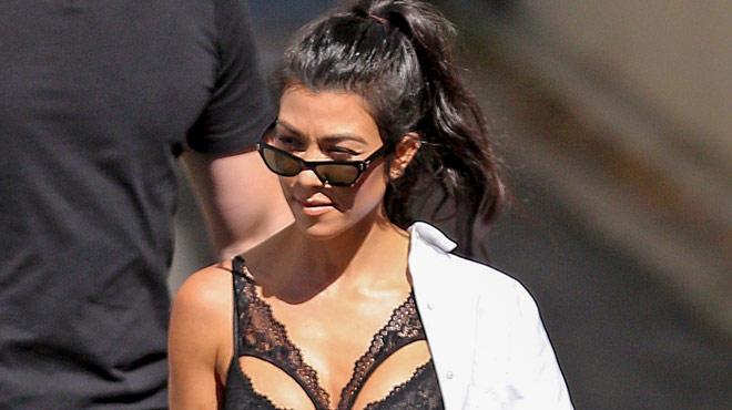 Kourtney Kardashian dévoile ses fesses à la plage (vidéo)