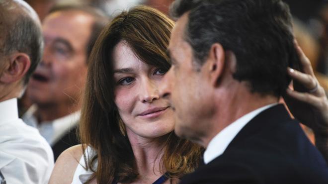 Ça vous intéresse de savoir comment ça se passe sexuellement entre Carla Bruni et Nicolas Sarkozy? La chanteuse raconte…