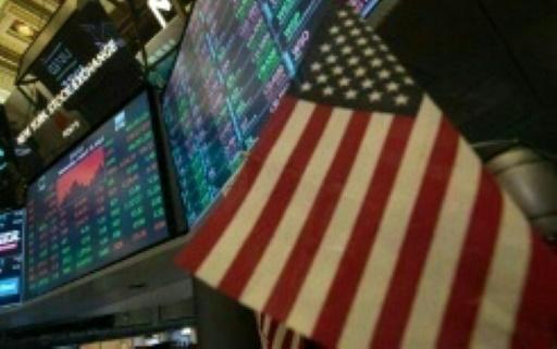 Wall Street, freinée par les banques, termine en baisse