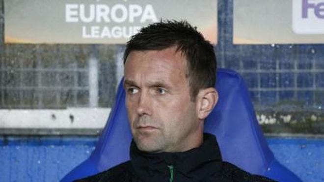 Pour motiver ses joueurs, cet entraîneur norvégien fait sa causerie d'avant-match... tout nu