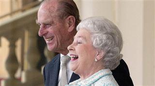 DOSSIER ROYAL- 70 ans de mariage pour Élizabeth II et Philip, retour sur leur love story (photos)