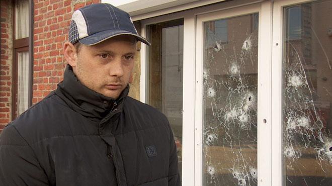 La vitrine du magasin de Jérôme criblée de balles cette nuit à Anderlues: