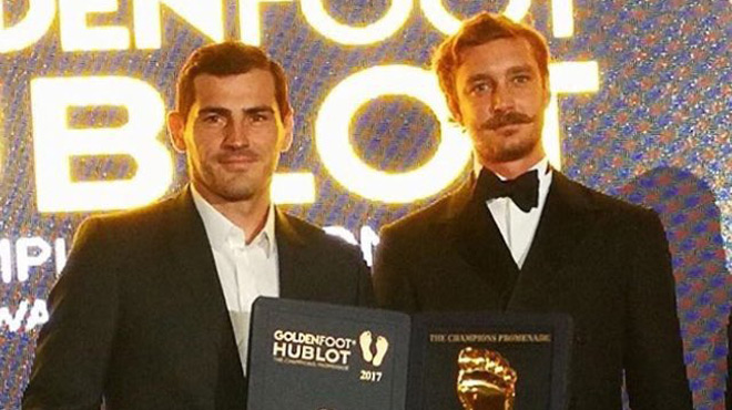 Porto : Casillas soulève le Golden Foot et défie Buffon