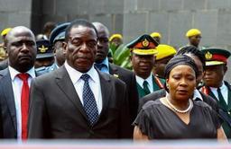 Zimbabwe: le chef de l'armée dénonce l'éviction du vice-président par son propre parti