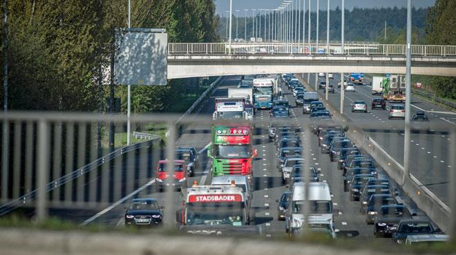 L'autoroute E17 complètement obstruée en direction de la France:
