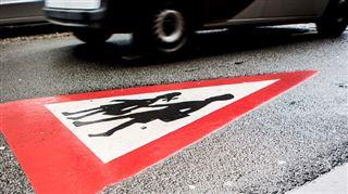 Aller chercher son enfant à l'école en voiture- la Wallonie va sévir contre les pollueurs 4