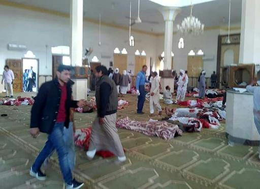 Au moins 155 morts après un attentat dans une mosquée — Egypte