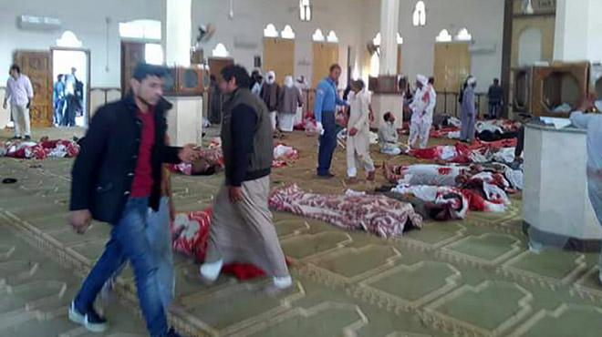 CARNAGE dans une mosquée en Égypte: au moins 235 morts, le président promet de répondre avec