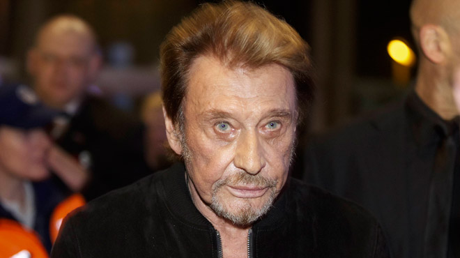 Johnny Hallyday se repose à son domicile il aurait perdu 15 kilos selon le magazine Closer