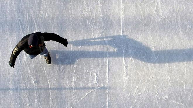 Ouverture du Village de Noël de Charleroi: une immense patinoire à ciel ouvert de 700m² et 42 chalets prêts pour les visiteurs
