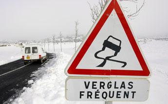 Attention sur les routes ce soir et cette nuit: verglas et neige sont attendus