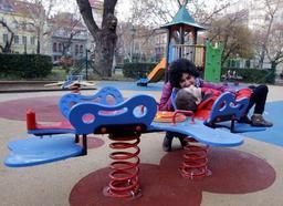 En Hongrie, des aires de jeux partagés pour enfants handicapés et valides