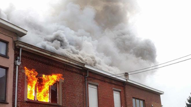 Incendie à Gilly: une maison part en fumée, deux autres sont touchées (photos)