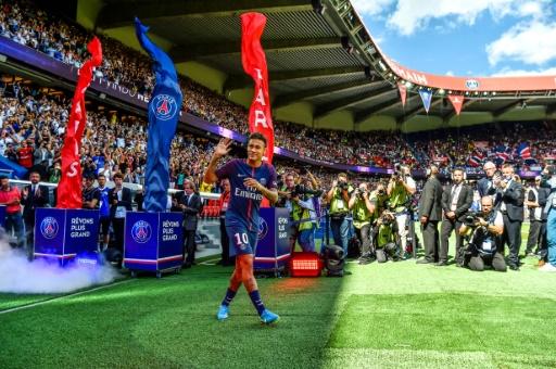 L'Assemblée rejette la taxe sur les transferts dans le foot, milite pour une régulation européennne