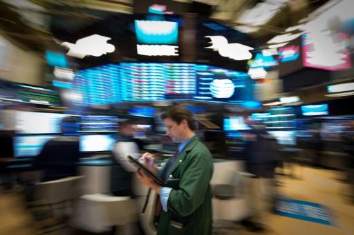 Wall Street termine en hausse, épaulée par l'industrie et la tech