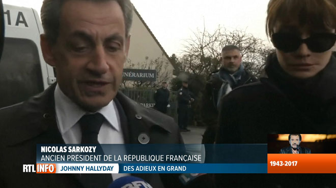 Nicolas Sarkozy, très ému, a rendu hommage à Johnny ce matin: