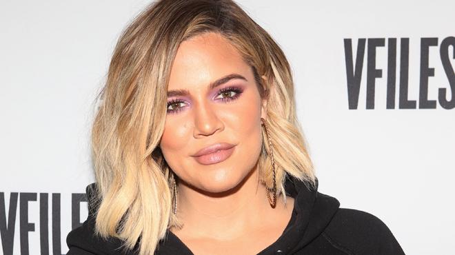 Ses lunettes auraient-elles trahi sa grossesse — Khloé Kardashian