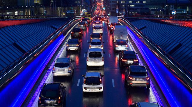 En 2017, les embouteillages ont été plus longs et plus fréquents: vous souvenez vous des PIRES jours de l'année sur la route?