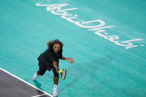 Abu Dhabi: Serena Williams battue pour son grand retour