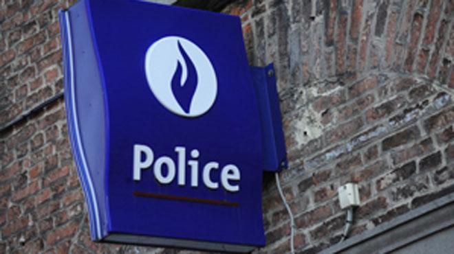Des individus boutent le feu au commissariat de Haren: 37 interpellations durant la nuit