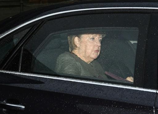 Allemagne: premières consultations de l'année entre Merkel et le SPD