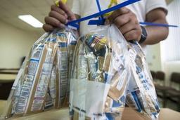 Polémique en France après la contamination aux salmonelles de laits pour bébé