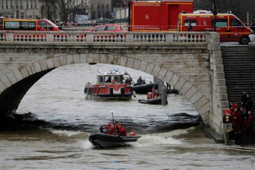 Une personne disparue dans la Seine à Paris — Crue