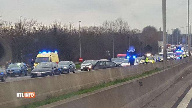 Un accident sur le ring de Bruxelles fait un mort et un blessé grave