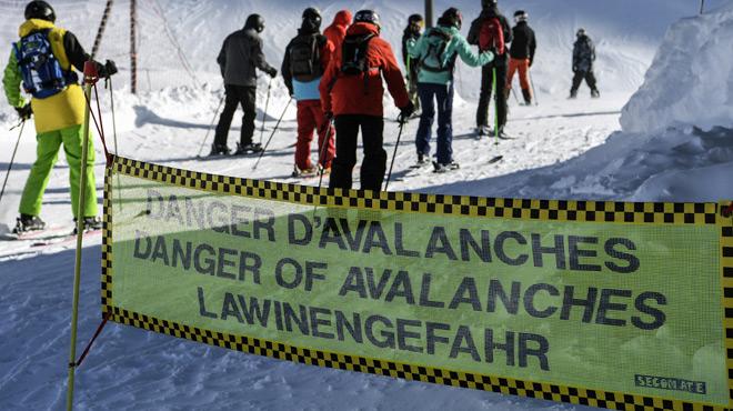 Une fillette de 9 ans secourue après une avalanche — Savoie