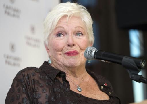 Dîner de la mode contre le sida: Line Renaud reste aux commandes