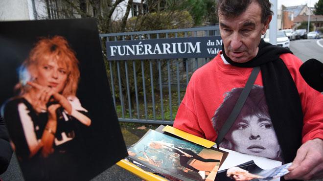 France Gall a été inhumée en petit comité, en présence de ses proches et de fans (photos)