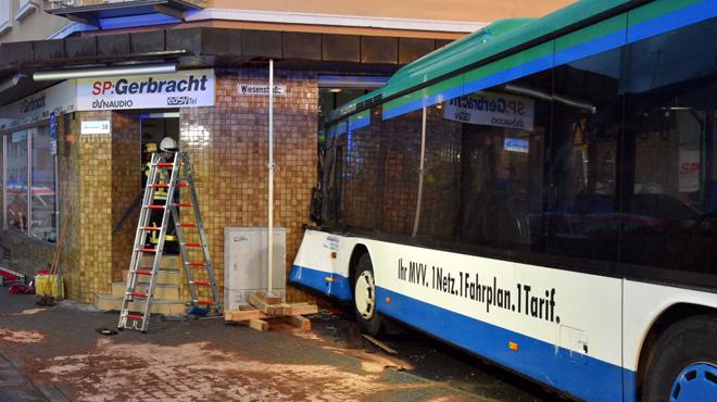 Grave accident de bus scolaire dans le Bade-Wurtemberg, 48 blessés