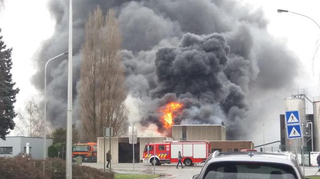 Incendie sur les Hauts-Sarts — Herstal