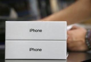 Ralentissement d'iPhone- Apple laissera le choix à ses clients