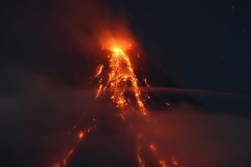 Philippines: des coulées meurtrières redoutées autour du volcan Mayon
